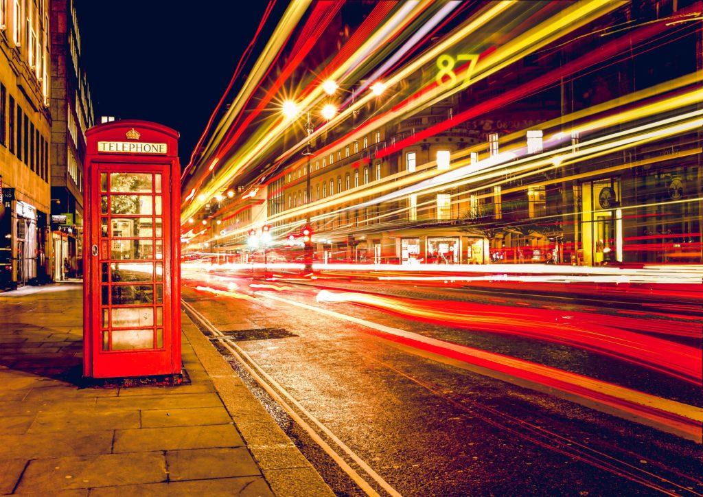 インターネットの通信速度の写真